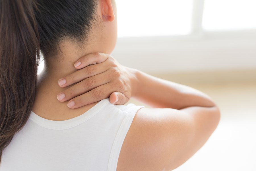 treating-neck-pain-with-ice-how-to-do-it-right